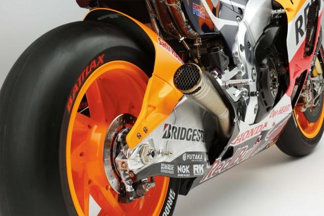 2015-Honda-RC213V-Marc-Marquez-HRC-huge-23