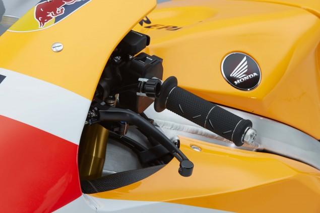 2015-Honda-RC213V-Marc-Marquez-HRC-huge-30