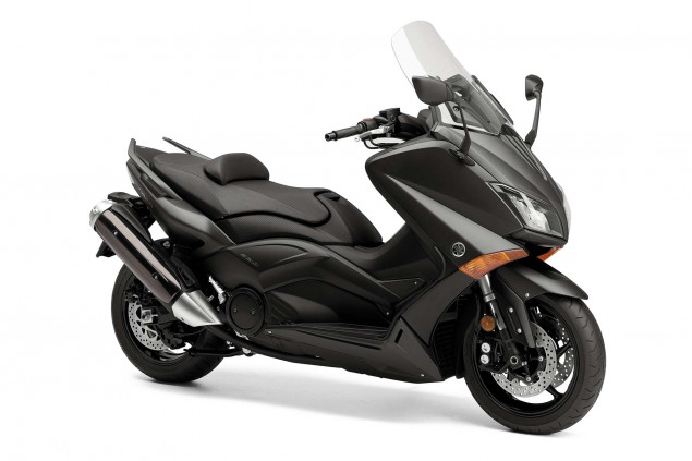 2015-Yamaha-TMAX-02