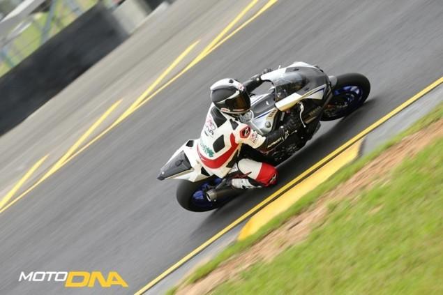2015-Yamaha-YZF-R1-Mark-MacVeigh-2