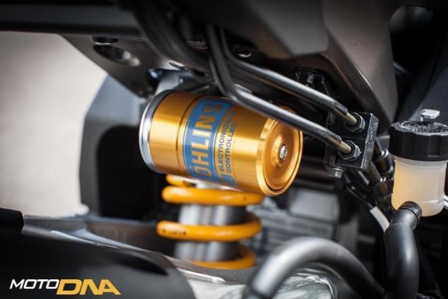 2015-Yamaha-YZF-R1-Ohlins-shock