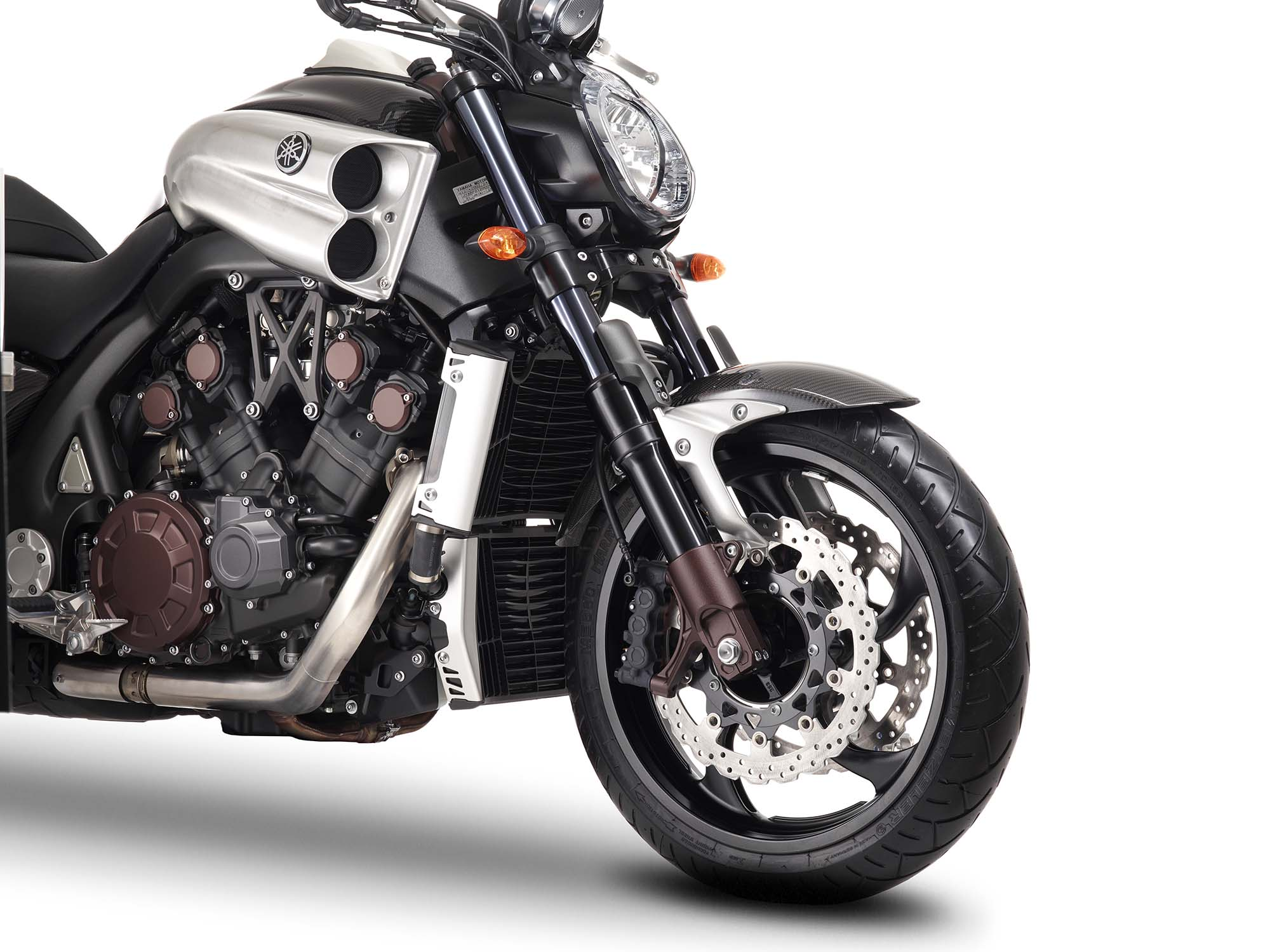 Yamaha VMAX Carbon Details 04