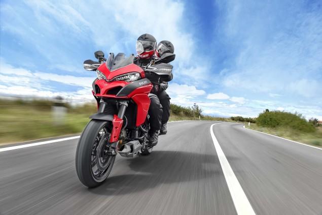 2015-Ducati-Multistrada-1200-S-action01
