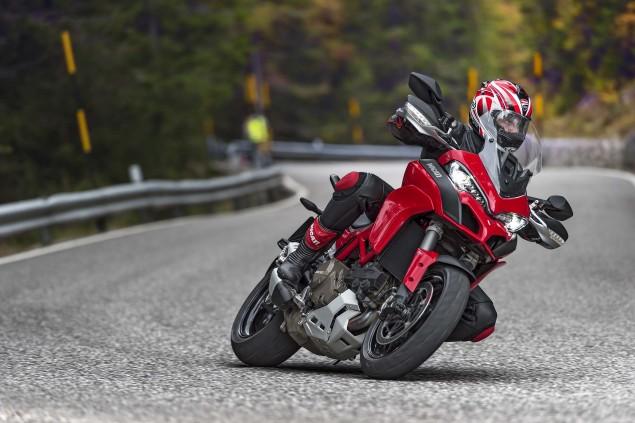 2015-Ducati-Multistrada-1200-S-action04