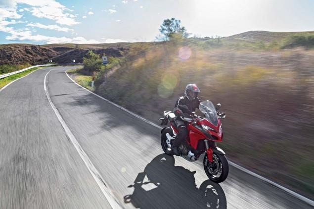 2015-Ducati-Multistrada-1200-S-action12