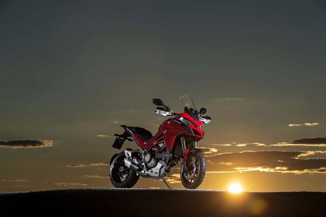 2015-Ducati-Multistrada-1200-S-action22