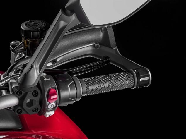 2015-Ducati-Multistrada-1200-S-static-04