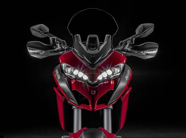 2015-Ducati-Multistrada-1200-S-static-08