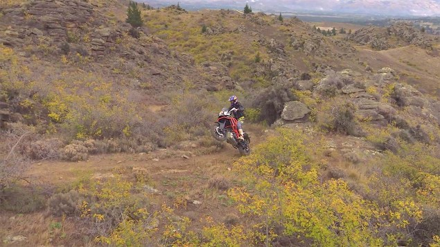 Chris-Birch-KTM-1190-Adventure-off-road-09