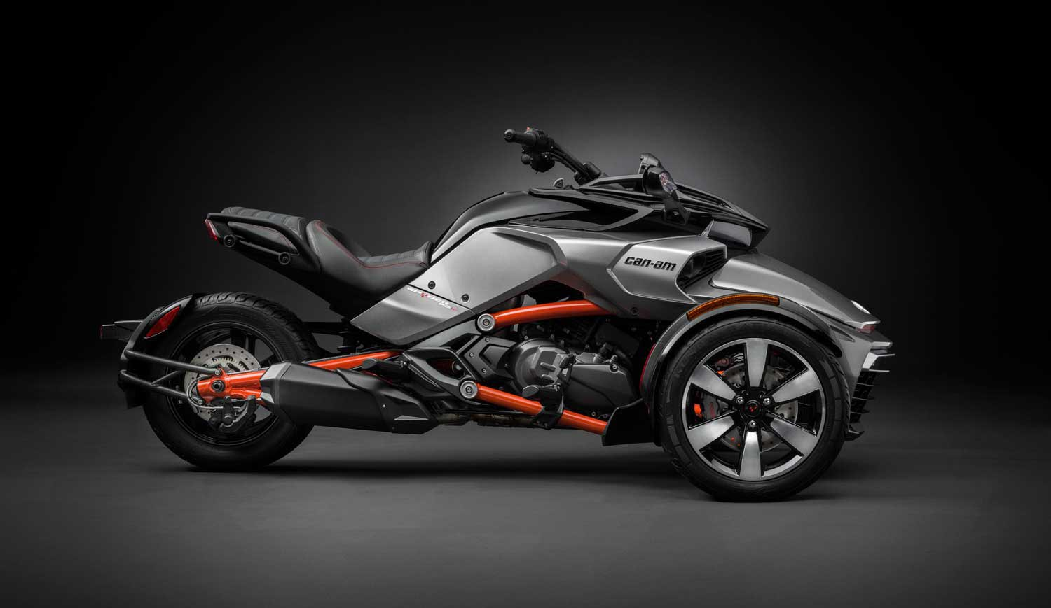 brp sells its 100 000th can am spyder asphalt rubber. Black Bedroom Furniture Sets. Home Design Ideas