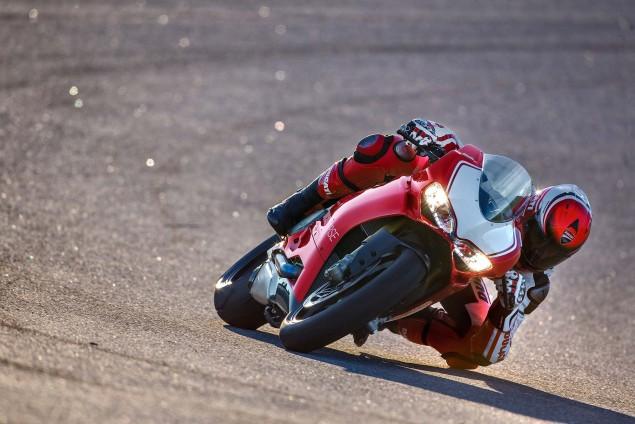 2015-Ducati-Panigale-R-12
