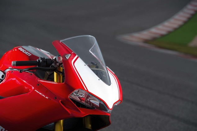 2015-Ducati-Panigale-R-15