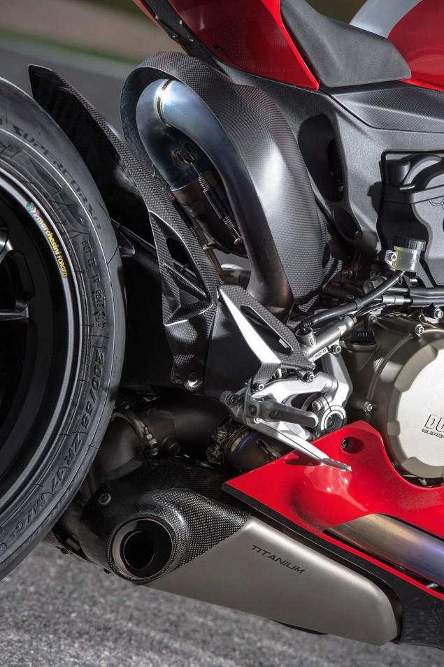 2015-Ducati-Panigale-R-66