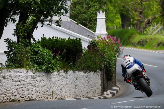 Trackside-Tuesday-John-McGuinness-TT-2011-1685