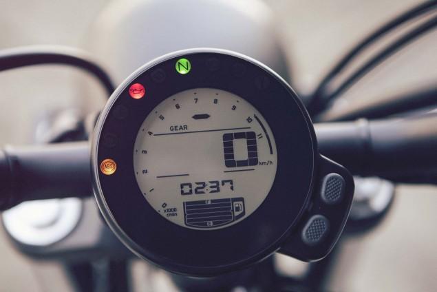 2016-Yamaha-XSR700-Details-07
