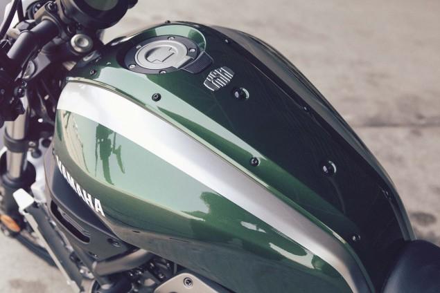 2016-Yamaha-XSR700-Details-16