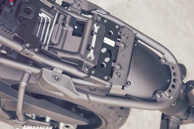 2016-Yamaha-XSR700-Details-18