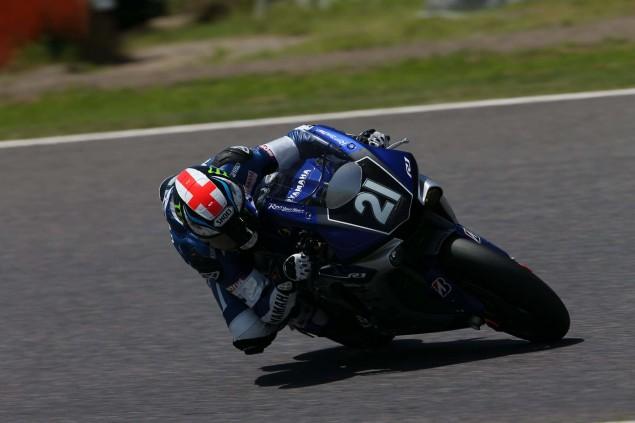 Yamaha-Factory-Racing-Team-2015-Suzuka-8-hour-09
