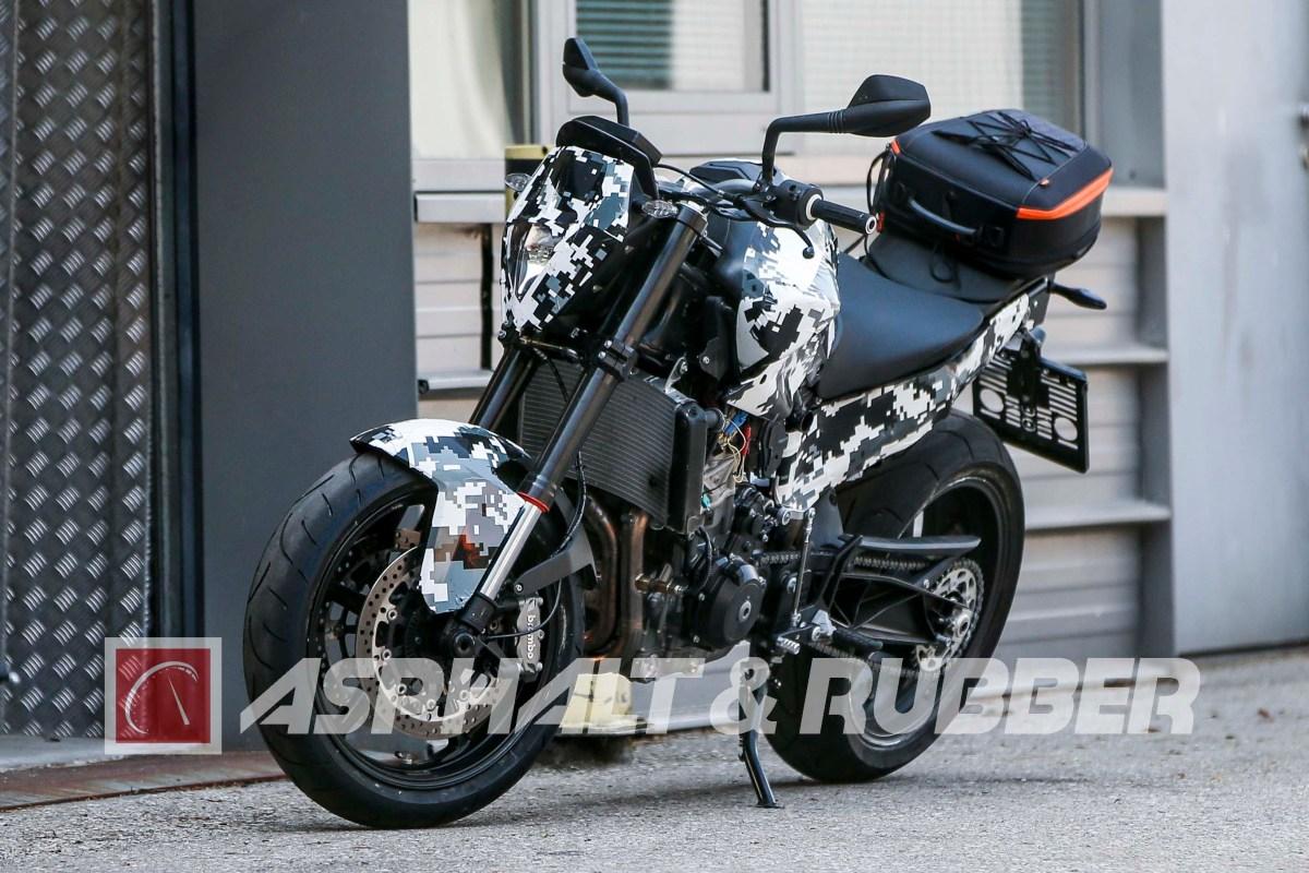 Spy Photos: KTM 800cc-Class Parallel-Twin Duke