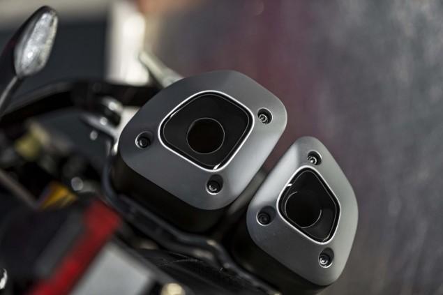 2016-Ducati-Monster-1200-R-still-07