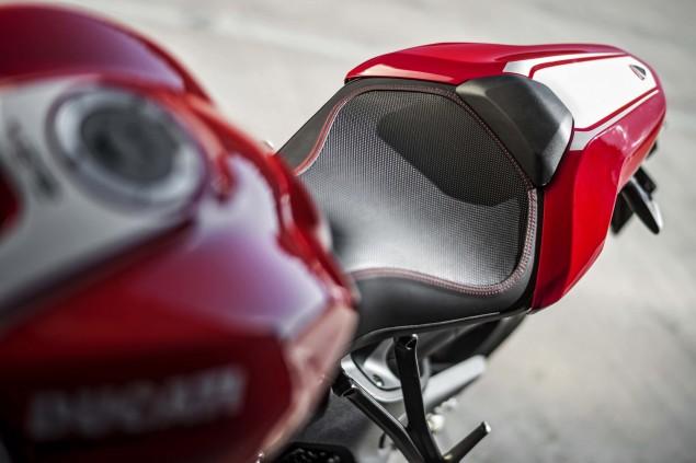 2016-Ducati-Monster-1200-R-still-18