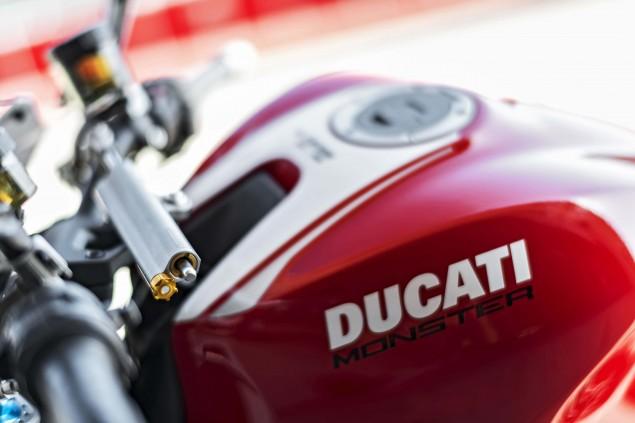 2016-Ducati-Monster-1200-R-still-21