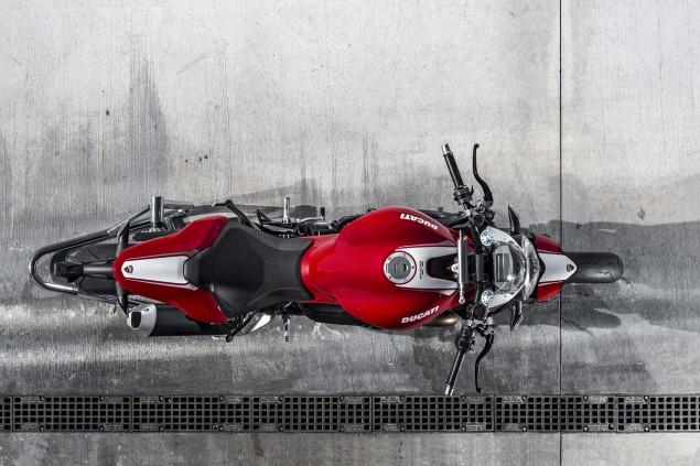 2016-Ducati-Monster-1200-R-still-24
