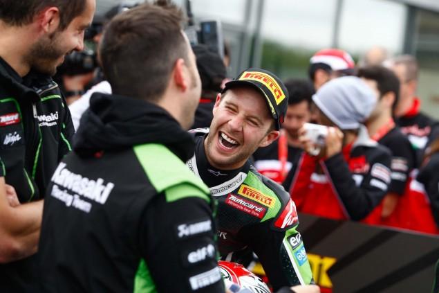 Jonathan-Rea-Kawasaki-Racing-Team-World-Superbike-WSBK-Champion-03