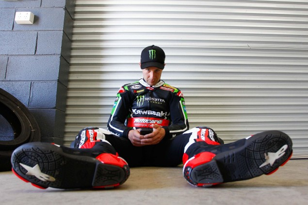 Jonathan-Rea-Kawasaki-Racing-Team-World-Superbike-WSBK-Champion-05