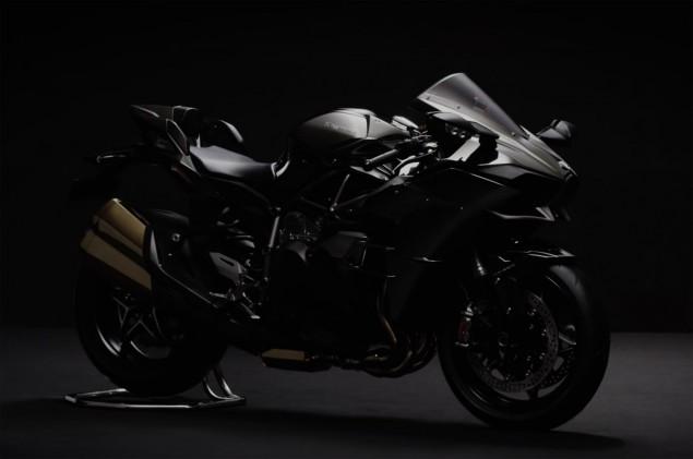 2016-Kawasaki-Ninja-H2-black-04
