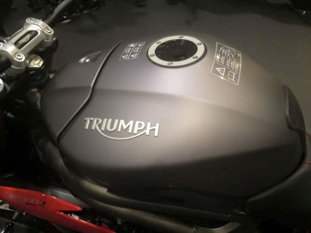 2016-Triumph-Speed-Triple-R-leak-07