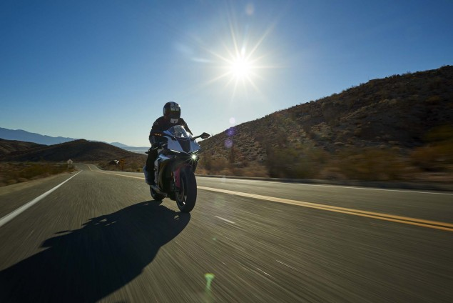 2016-Yamaha-R1S-action-13