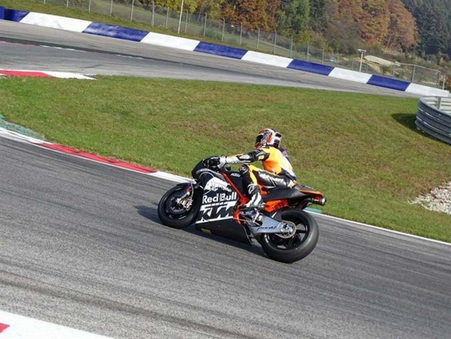 KTM-RC16-MotoGP-race-bike-red-bull-ring-02