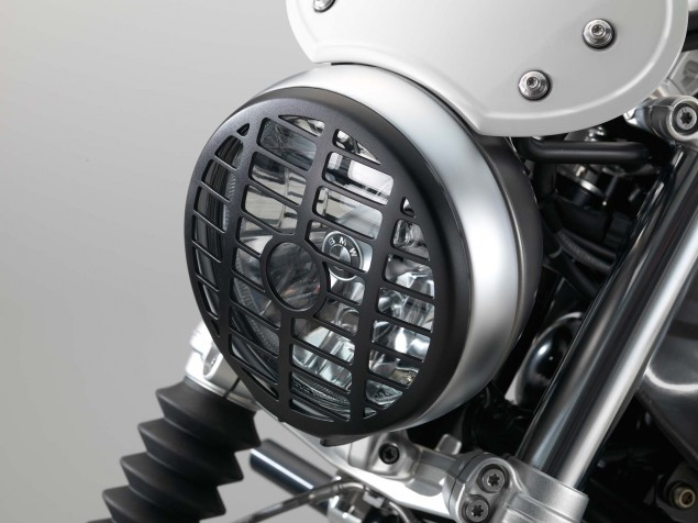 2016-BMW-R-nineT-Scrambler-details-02