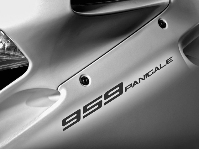 2016-Ducati-959-Panigale-19