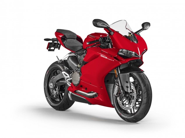 2016-Ducati-959-Panigale-USA-model-09