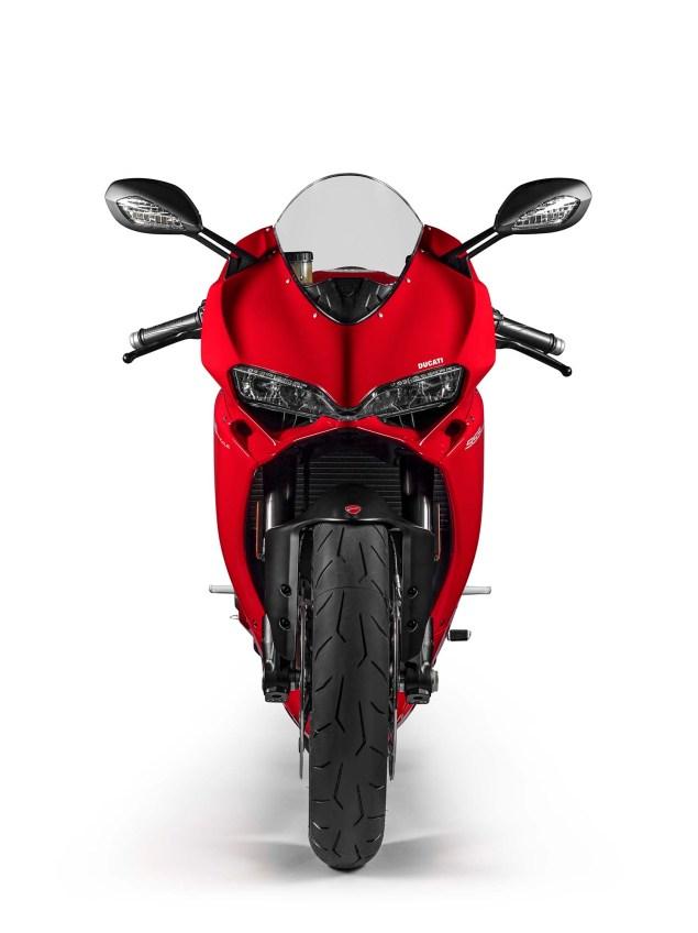 2016-Ducati-959-Panigale-USA-model-20