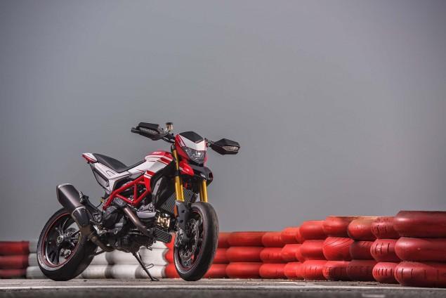 2016-Ducati-Hypermotard-939-SP-03