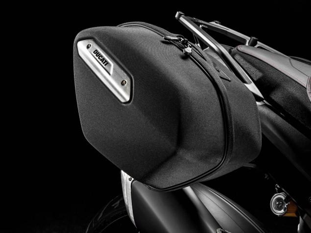 2016-Ducati-Hyperstrada-939-04