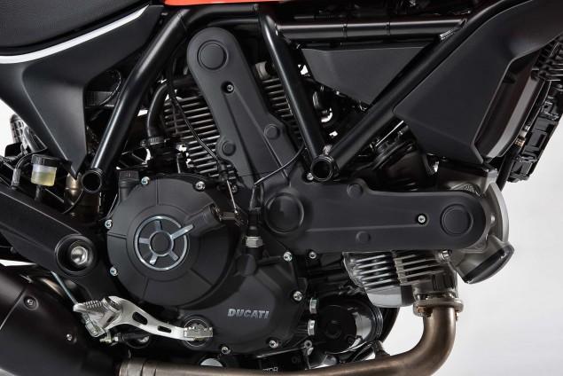 2016-Ducati-Scrambler-Sixty2-17