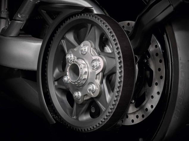 2016-Ducati-XDiavel-S-11
