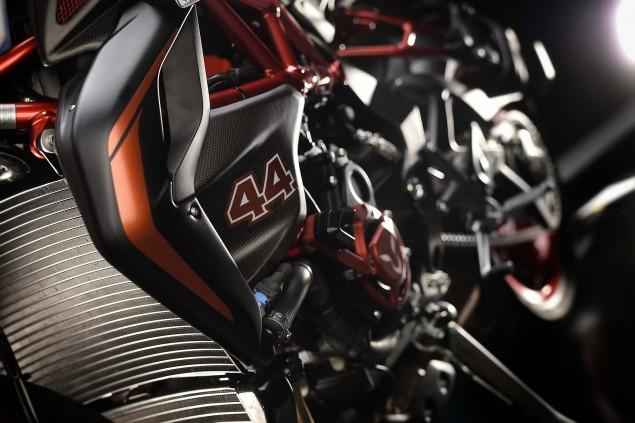 2016-MV-Agusta-Dragster-RR-Lewis-Hamilton-31