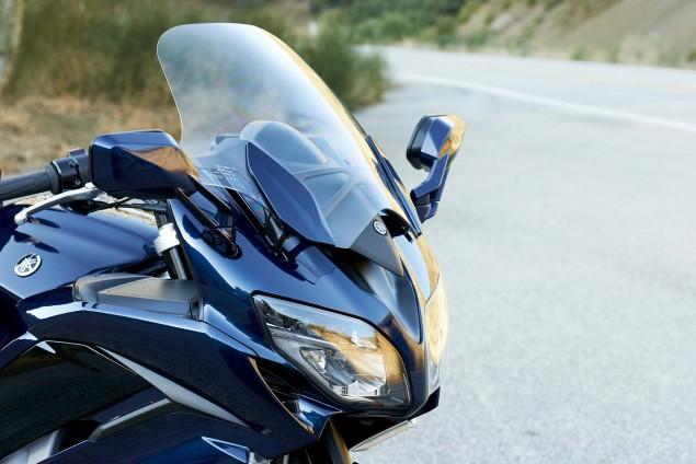 2016-Yamaha-FJR1300-ES-12