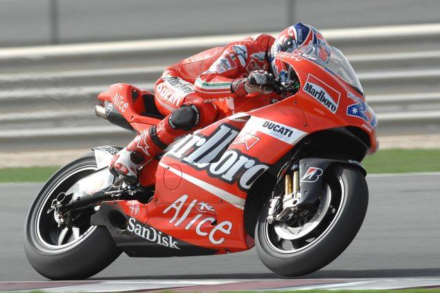 casey-stoner-2007-Ducati-Desmosedici-GP7