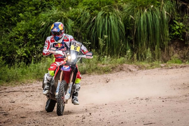 2016-Dakar-Rally-Stage-3-HRC-17