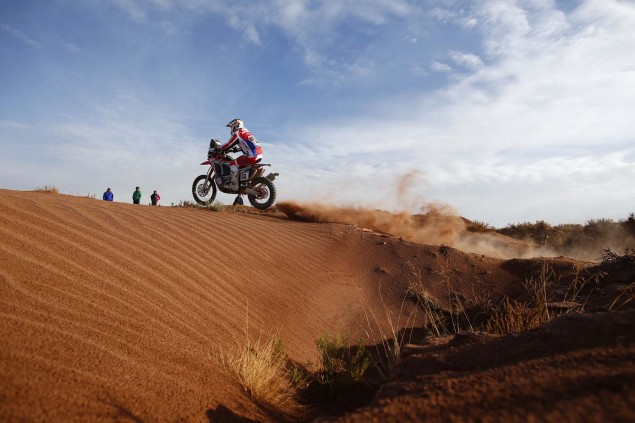 2016-Dakar-Rally-Stage-7-HRC-09