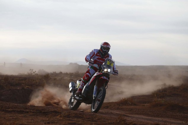 2016-Dakar-Rally-Stage-7-HRC-13