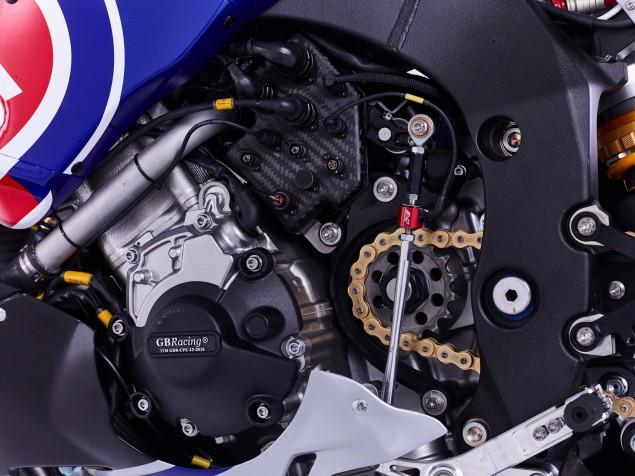 2016-Yamaha-YZF-R1-World-Superbike-14