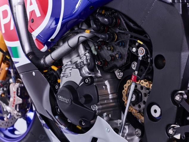 2016-Yamaha-YZF-R1-World-Superbike-22