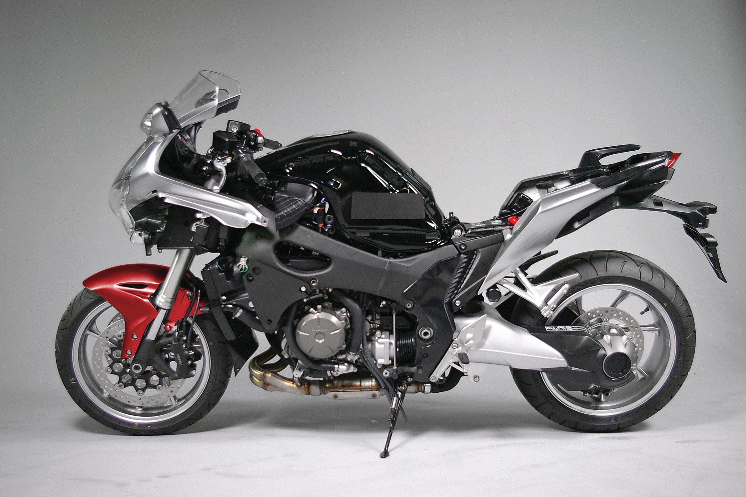 Recall: Honda VFR1200F - Asphalt & Rubber